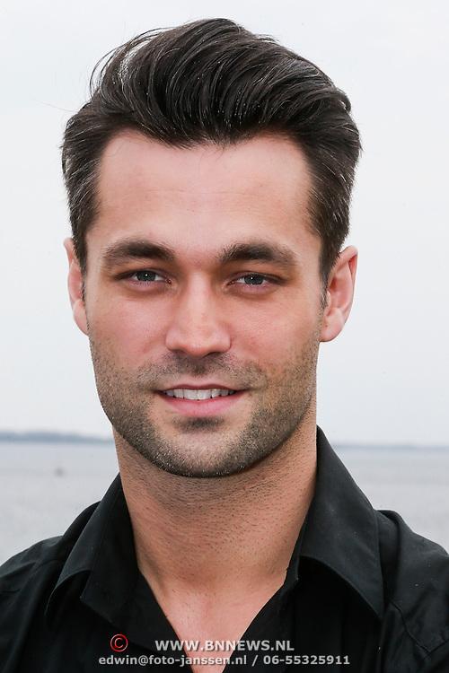 NLD/Naarden/20130502- Presentatie RTL Killer Karaoke, presentator Jan Kooijman