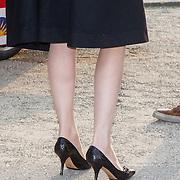 NLD/Enschede/20150318 - Prinses Beatrix en Prinses Mabel aanwezig bij uitreiking Prins Friso ingenieursprijs , Schoenen prinses Mabel