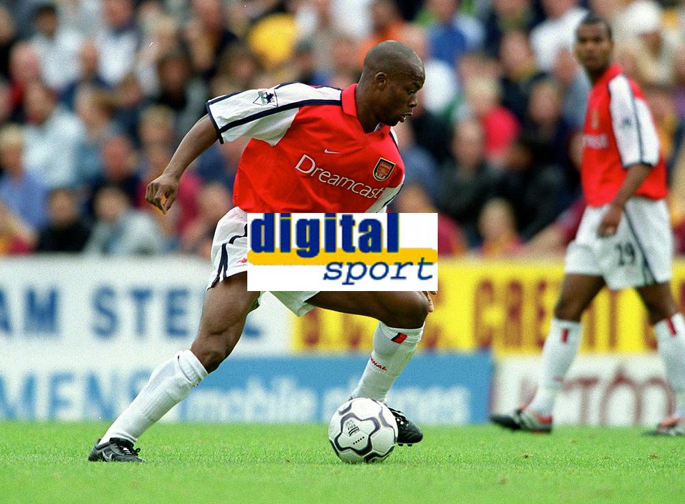 Sylvian Wiltord makes his 1st full debut for Arsenal. Bradford City 1:1 Arsenal, F.A. Carling Premiership, 9/9/2000. Credit Colorsport / Stuart MacFarlane.