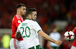 October 9, 2017 - Cardiff, Pays de Galles - Republic of IrelandÃ•s Shane Duffy in action with Wales' Hal Robson-Kanu (Credit Image: © Panoramic via ZUMA Press)