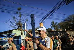 O revezamento da Tocha Olímpica passa por Guaíba, RS.  Aceso em 21 de abril, em ritual repetido a cada quatro anos em Olímpia, na Grécia, o símbolo olímpico passará por 28 cidades gaúchas de 3 a 9 de julho e será conduzido por 617 indicados no Rio Grande do Sul, começando por Erechim e se despedindo em Torres, em percurso de mais de dois mil quilômetros. Foto: Gustavo Roth / Agência Preview