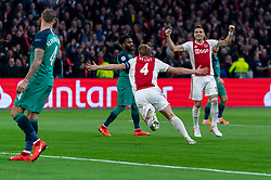 08-05-2019 NED: Semi Final Champions League AFC Ajax - Tottenham Hotspur, Amsterdam<br /> After a dramatic ending, Ajax has not been able to reach the final of the Champions League. In the final second Tottenham Hotspur scored 3-2 / Matthijs de Ligt #4 of Ajax scores the 1-0, Dusan Tadic #10 of Ajax