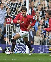 Fotball<br /> England 2005/2006<br /> Foto: Colorsport/Digitalsport<br /> NORWAY ONLY<br /> <br /> Ruud Van Nistelrooy (Utd) celebrates his goal. (UTD 1st). Fulham v Manchester United. 1/10/2005.