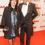 NLD/Amsterdam/20160307 - Inloop Premiere Rokjesdag, Wim Schuurman en partner Sonja Bos