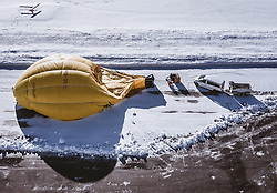 04.02.2019, Zell am See - Kaprun, AUT, BalloonAlps, im Bild Heissluftballone werden für den Start vorbereitet // Hot air balloons are prepared for the start  during the International Balloonalps Alps Crossing Event, Zell am See Kaprun, Austria on 2019/02/04. EXPA Pictures © 2019, PhotoCredit: EXPA/ JFK