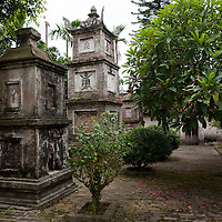 Vietnam | Religion | But Thap pagoda, Bac Ninh province