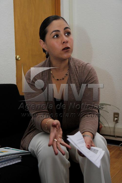 TOLUCA, México.- Laura Mitzy Barrientos Cano, quinta regidora de Toluca, advirtió que los posicionamientos de la fracción parlamentaria del Partido Acción Nacional en la legislatura local en torno a los feminicidios y la equidad de género obedecen ante todo a una línea estratégica de los activistas, diputados y ediles panistas, particularmente de la diputada Mónica Fragoso Maldonado. Agencia MVT / Crisanta Espinosa. (DIGITAL)