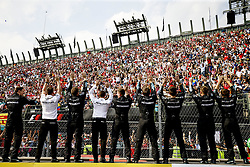 October 29, 2017 - Mexico-City, Mexico - Motorsports: FIA Formula One World Championship 2017, Grand Prix of Mexico, .mechanic of Mercedes AMG Petronas F1 Team  (Credit Image: © Hoch Zwei via ZUMA Wire)