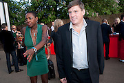 SONIQUE; GEOFF COUSINS; , The Summer Party. Serpentine Gallery. 8 July 2010. -DO NOT ARCHIVE-© Copyright Photograph by Dafydd Jones. 248 Clapham Rd. London SW9 0PZ. Tel 0207 820 0771. www.dafjones.com.