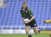 Reading Berkshire, 29/09/02<br /> London Irish vs Wasps,<br /> Exiles Mike Horak attacking, during the, ZURICH PREMIERSHIP RUGBY match at the, Madejski Stadium,  [Mandatory Credit: Peter Spurrier/Intersport Images]