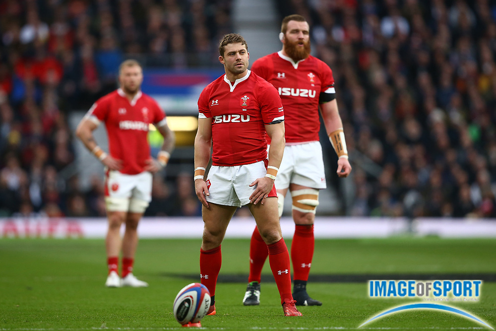 Leigh Halfpenny of Wales lines up a penalty during the Guinness Six Nations between England and Wales at Twickenham Stadium, Saturday, March 7, 2020, in London, United Kingdom. (Mitchell Gunn-ESPA-Images/Image of Sport)