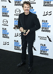 SANTA MONICA, LOS ANGELES, CALIFORNIA, USA - FEBRUARY 08: 2020 Film Independent Spirit Awards held at the Santa Monica Beach on February 8, 2020 in Santa Monica, Los Angeles, California, United States. 08 Feb 2020 Pictured: Willem Dafoe. Photo credit: Xavier Collin/Image Press Agency/MEGA TheMegaAgency.com +1 888 505 6342