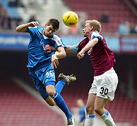 Fotball<br /> Championship 2004/05<br /> West Ham v Cardiff<br /> 6. februar 2005<br /> Foto: Digitalsport<br /> NORWAY ONLY<br /> Joe Ledley of Cardiff goes up for this one with Luke Chadwick of West Ham