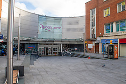 © Licensed to London News Pictures. 23/10/2020. Slough, UK. The entrance to the large Queensmere shopping centre in Slough. Slough will move to Local COVID Alert Level: High (Tier 2) at 00:01 BST on Saturday 24th October 2020 after an increase in people infected with the COVID-19 coronavirus. Photo credit: Peter Manning/LNP