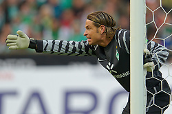 25.09.2010, Weser Stadion, Bremen, GER, 1.FBL, Werder Bremen vs Hamburger SV im Bild Keeper Tim Wiese ( Werder #01)    EXPA Pictures © 2010, PhotoCredit: EXPA/ nph/  Kokenge+++++ ATTENTION - OUT OF GER +++++ / SPORTIDA PHOTO AGENCY