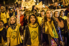 Spain: Catalan Students Protest Education Budget, 12 Nov. 2016