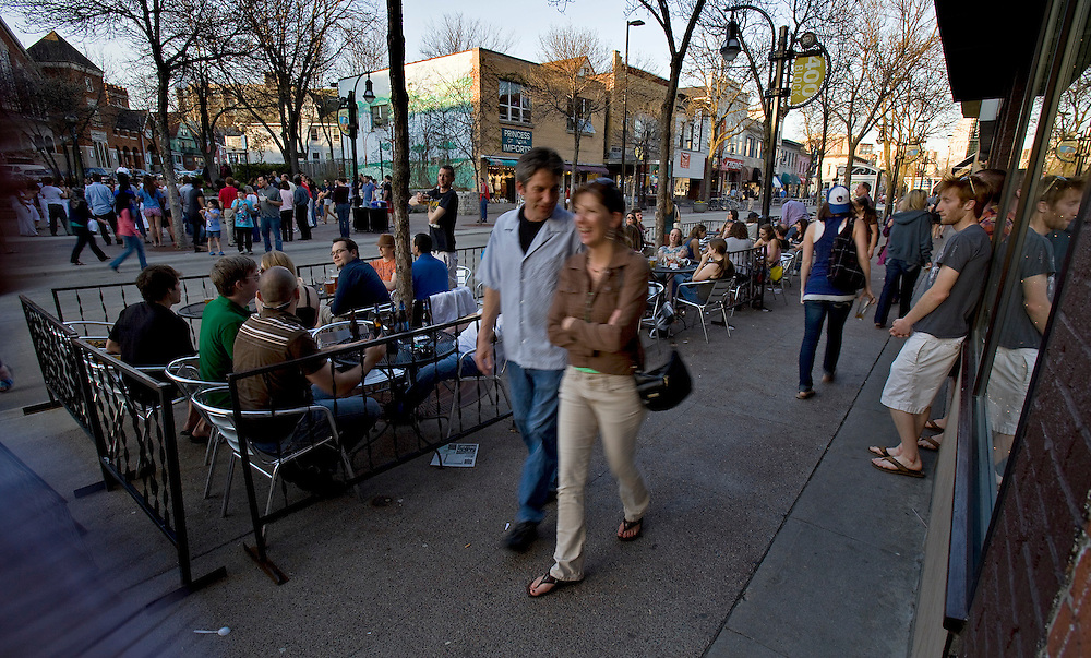 State Street in Madison, Wis. is a pedestrian mall with many side walk cafes. (Photo © Andy Manis)