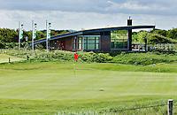 DOMBURG - Golf - Clubhuis Domburgsche GC met 110 jaar vlaggen,  in Zeeland. COPYRIGHT KOEN SUYK