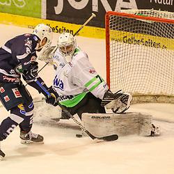 DEL 2 - PLAY-OFFS - Finale: Kassel Huskies - Bietigheim Steelers am 14.05.2021 in der Eissporthalle in Kassel<br /> <br /> <br /> Torhüter Leon Doubrawa (Bietigheim Steelers 70) mit einem Save gegen Ryan Moser (Kassel Huskies 21) <br /> <br /> <br /> <br /> Foto © osnapix/PIX-Sportfotos *** Foto ist honorarpflichtig! *** Auf Anfrage in hoeherer Qualitaet/Aufloesung. Belegexemplar erbeten. Veroeffentlichung ausschliesslich fuer journalistisch-publizistische Zwecke. For editorial use only.