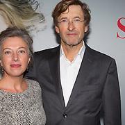 NLD/Amsterdam/20151115 - Premiere Toneelstuk Sophie, Ferry Mingelen en partner Marike van den Berg