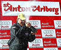 Alpint<br /> FIS World Cup - Verdenscup<br /> St Anton - Østerrike<br /> 14.02.2004<br /> Foto: Digitalsport<br /> Norway Only<br /> <br /> Hermann Maier (AUT)