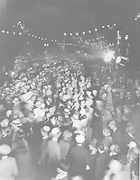 1927 Fans outside the premiere of King of Kings at Grauman's Chinese Theater