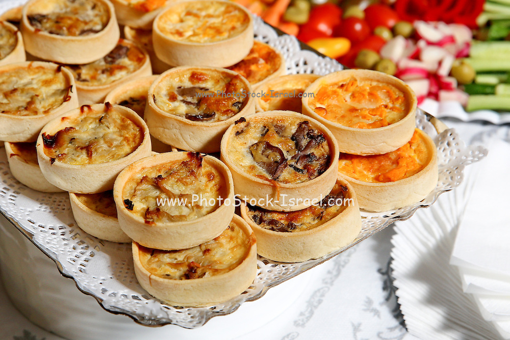 a plate of quiche