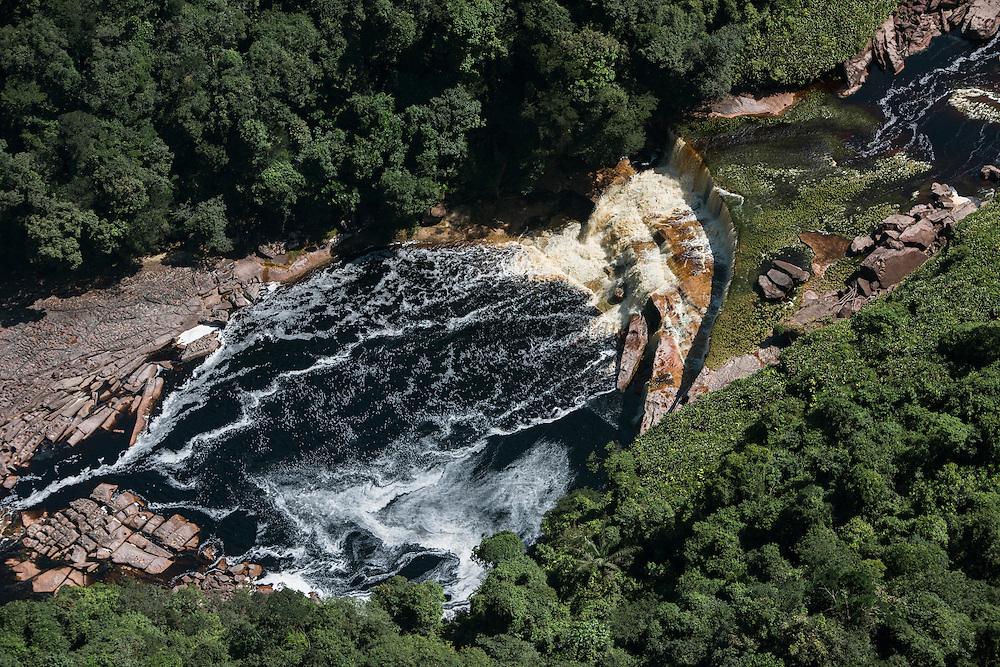 Kurupung River<br /> below Kumerau Falls<br /> Pakaraima Mountains<br /> GUYANA<br /> South America