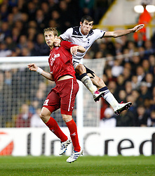 29.09.2010, Withe harde Lane, London, ENG, UEFA CL, Tottenham vs FC Twente, im Bild Tottenham's Gareth Bale and Marc Janko of FC Twente.Tottenham Hotspur v FC Twente, Group A, of the UCL ( Uefa Champions League Group stages).at White Hart Lane in London. EXPA Pictures © 2010, PhotoCredit: EXPA/ IPS/ Kieran Galvin +++++ ATTENTION - OUT OF ENGLAND/UK +++++