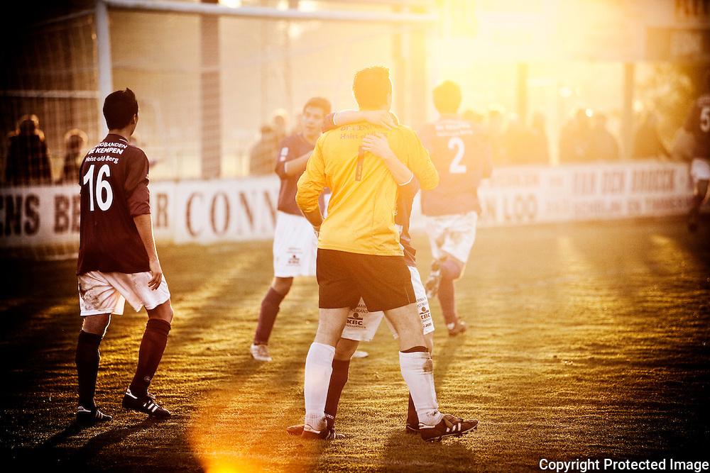 369587-Voetbal FC Heikant tegen VC Herentals-