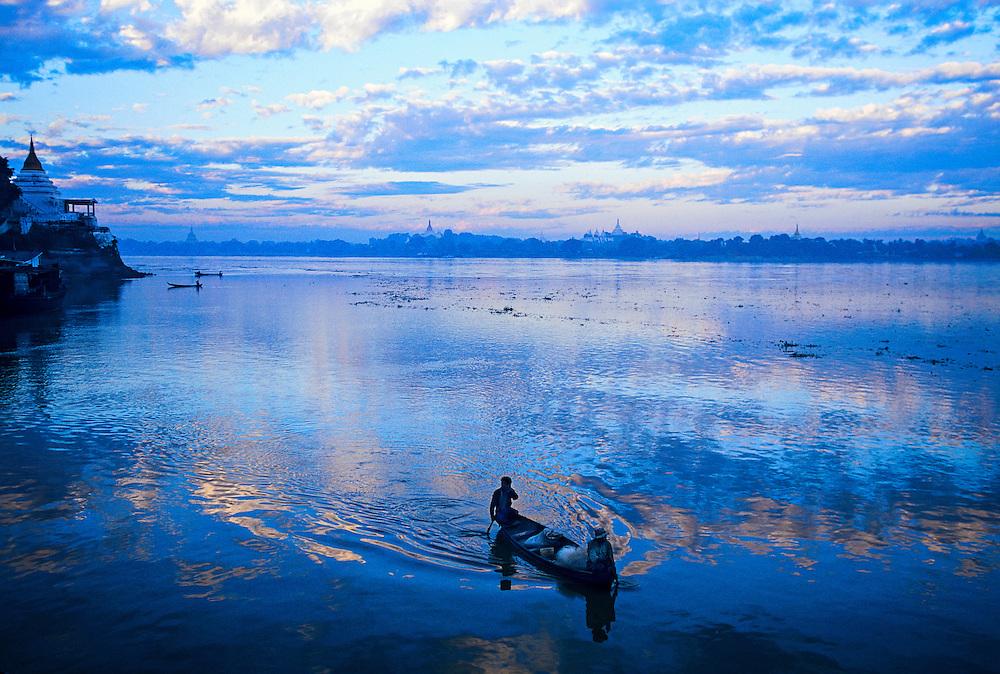 Sunrise on the Ayeyarwady River at Shwe Kyet Yet (Sagaing in background), near Mandalay, Burma (Myanmar)