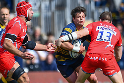 Francois Venter of Worcester Warriors is tasckled by Sam James of Sale Sharks - Mandatory by-line: Craig Thomas/JMP - 13/04/2019 - RUGBY - Sixways Stadium - Worcester, England - Worcester Warriors v Sale Sharks - Gallagher Premiership Rugby