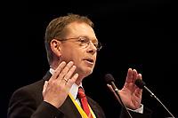 01 DEC 2003, BERLIN/GERMANY:<br /> Hermann-Josef Arentz, Vorsitzender der Christlich-Demokratischen Arbeitsnehmerschaft Deutschlands, CDU, haelt eine Rede, 17. CDU Parteitag, Messe Leipzig<br /> IMAGE: 20031201-01-099<br /> KEYWORDS: party congress, speech
