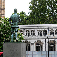 Jan Christian Smuts Statue;<br />Parliamnet Square, Westminster;<br />Empty London in Lockdown;<br />7th July 2020.<br /><br />© Pete Jones<br />pete@pjproductions.co.uk