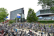 Nederland, Nijmegen, 7-8-2016De SSHN, stichting studentenhuisvesting Nijmegen, verhuurt woonruimte aan studenten. Op de foto de woontoren Gouverneur bij het ns station Heyendaal. De SSHN heeft ruim vierduizend wooneenheden, verspreid over zestien wooncomplexen en meer dan dertig panden. Foto: Flip Franssen/Hollandse Hoogte