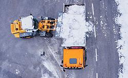 THEMENBILD - ein Bagger ladet Schnee in einem Transport LKW am 17. November 2019 in Lienz. Die extremen Schneefälle der vergangenen Tage sorgen in Teilen Österreichs für massive Gefahren und Behinderungen // an excavator loads snow in a transport truck. The extreme snowfalls of the past few days cause massive dangers and disabilities in parts of Austria, Lienz on 19/11/17. EXPA Pictures © 2019, PhotoCredit: EXPA/ JFK