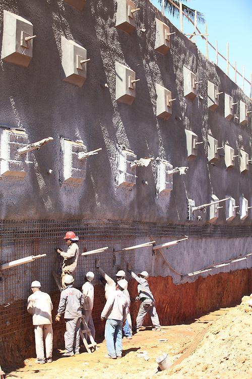 Salvador_BA, Brasil.<br /> <br /> Construcao da Via Expressa Portuaria em Salvador, Bahia.<br /> <br /> Construction of Expressway Port in Salvador, Bahia.<br /> <br /> Foto: RODRIGO LIMA / NITRO
