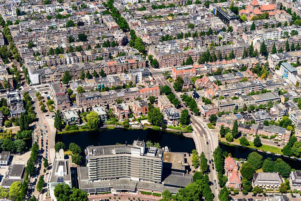 Nederland, Noord-Holland, Amsterdam, 29-06-2018; Amsterdam Oud-Zuid, Apollolaan met Hilton Amsterdam, Noorder Amstelkanaal, Willem Witsenstraat, Breitnerstraat.<br /> Southern part of Amsterdam.<br /> <br /> luchtfoto (toeslag op standard tarieven);<br /> aerial photo (additional fee required);<br /> copyright foto/photo Siebe Swart