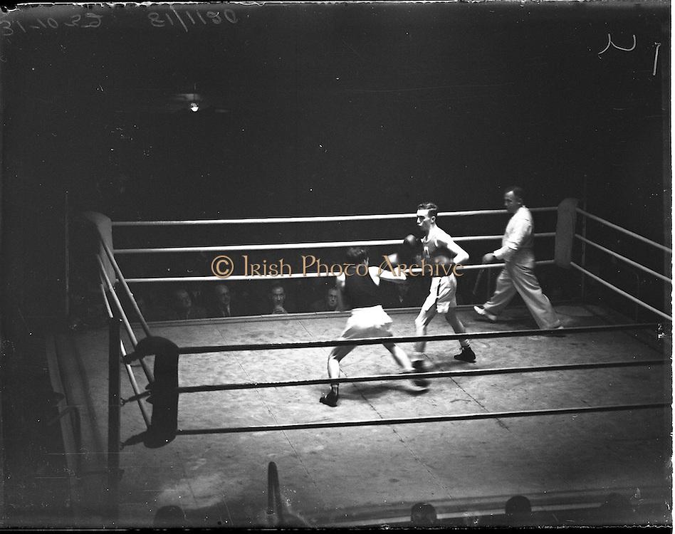 31/10/1952.10/31/1952.31 October 1952.Boxing Germany v Ireland at the National Stadium..G. McNally v S. Egon.