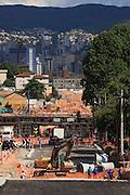 Belo Horizonte_MG, Brasil...Obras de duplicacao da Avenida Antonio Carlos, na cidade de Belo Horizonte, Minas Gerais...The works to turn a dual-carriage-way in the Antonio Carlos avenue, Belo Horizonte, Minas Gerais...Foto: BRUNO MAGALHAES / NITRO
