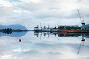 Early morning mood at Ulstein Yard, Ulsteinvik, Norway |  Tidlig morgenstemning på Ulstein Verft med Island Performer og Island Wellserver ved kai.