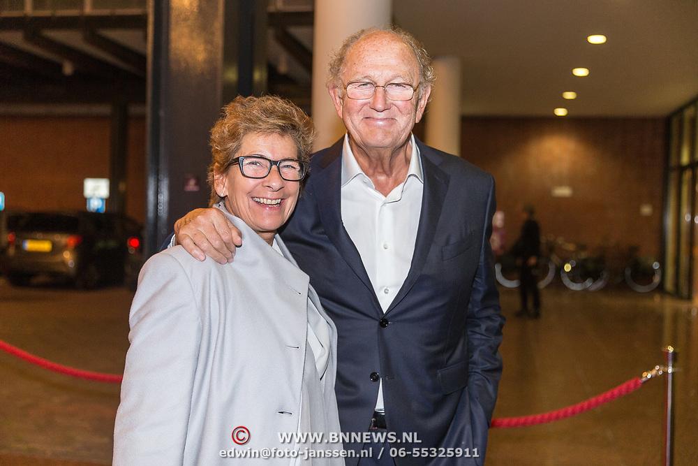 NLD/Amsterdamt/20180930 - Prinses Beatrix bij voorstelling 30 jaar Pierre Audi en De Nationale Opera, Joop van den Ende en partner Janine