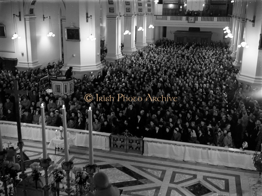 05/10/1952<br /> 10/05/1952<br /> 05 October 1952<br /> Franciscan Church, Merchant's Quay, Novena Mass.<br /> His Excellency Gerald O'Hara, Papal Nuncio, presiding over one of the Novena Masses. Note the Preacher in the Pulpit on the left of the image.