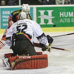 14.12.2014, Stadthalle, Klagenfurt, AUT, EBEL, EC KAC vs Dornbirner Eishockey Club, 27. Runde, im Bild Stefan Geier (EC KAC, #19), dNathan Lawson (Dornbirner Eishockey Club, #52) // during the Erste Bank Icehockey League 27th round match betweeen EC KAC and Dornbirner Eishockey Club at the City Hall in Klagenfurt, Austria on 2014/12/14. EXPA Pictures © 2014, PhotoCredit: EXPA/ Gert Steinthaler