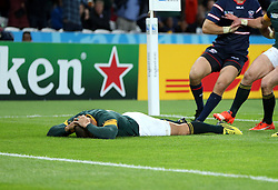A rare mistake from Bryan Habana of South Africa as he fails to pick up a ball for an easy try - he holds his head with disappointment<br /> Rugby World Cup England 2015 - South Africa v USA - 07/10/2015 - Queen Elizabeth Olympic Stadium - London<br /> Mandatory Credit : Andrew Fosker / Seconds Left <br />  {22062000}