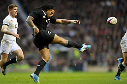 Ma'a Nonu kicks for territory - Photo mandatory by-line: Patrick Khachfe/JMP - Tel: Mobile: 07966 386802 16/11/2013 - SPORT - RUGBY UNION -  Twickenham Stadium, London - England v New Zealand - QBE Autumn Internationals.
