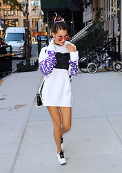 September 15, 2016 - New York, New York, United States - Model Bella Hadid arrives back at her apartment on September 15 2016 in New York City  (Credit Image: © Zelig Shaul/Ace Pictures via ZUMA Press)