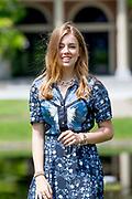 Zomerfotosessie 2019 bij Paleis Huis ten Bosch in Den Haag<br /> <br /> Summer photo session 2019 at Palace Huis ten Bosch in The Hague<br /> <br /> Op de foto / On the photo: Prinses Alexia / Princess Alexia