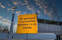AMSTELVEEN - ILLUSTRATIE -   Ook het Wagener Stadion en de hockeyvelden van Amsterdam zijn verboden terrein  ivm Coronavirus. . COPYRIGHT KOEN SUYK