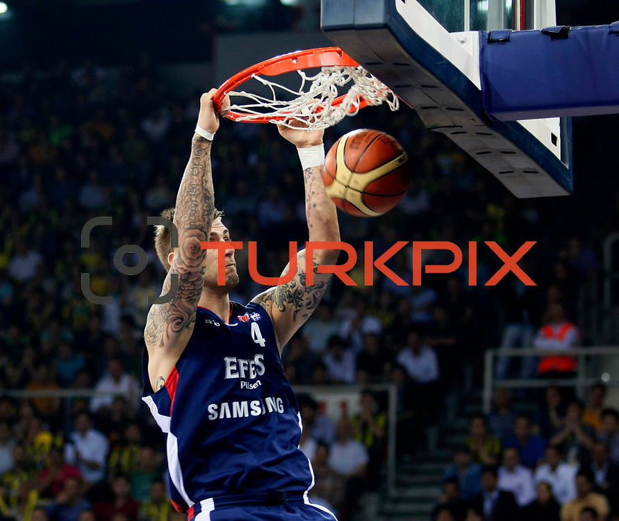 Efes Pilsen's Mario KASUN during their Turkish Basketball league Play Off Final third leg match Fenerbahce Ulker between Efes Pilsen at the Abdi Ipekci Arena in Istanbul Turkey on Tuesday 25 May 2010. Photo by Aykut AKICI/TURKPIX